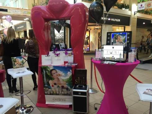 ladies-lock-in-fairhill-shopping-centre-catherines-beauty-boutique-stand-2
